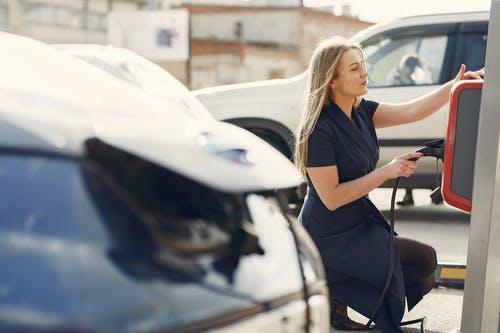 Enostavno in cenovno ugodno polnjenje avtomobila