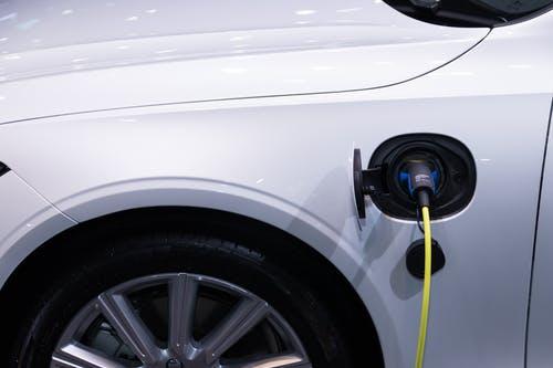 Vrhunske električne polnilnice za vozila